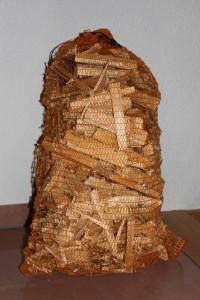 Anfeuerholz ideal um die Briketts und das Hartholz in Aktion zu bringen
